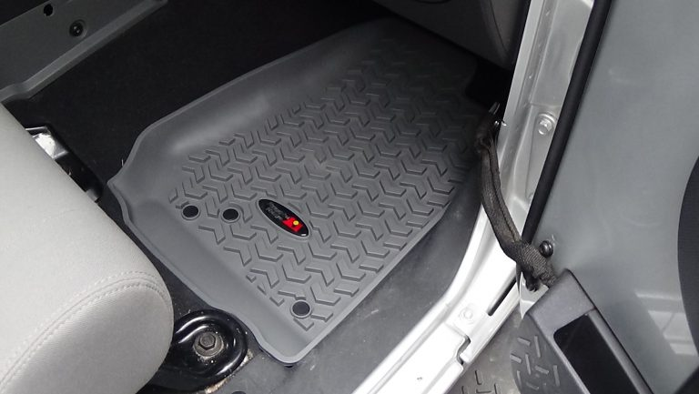 Rugged Ridge Set of Rubber Floor Mats Jeep Wrangler JK in Grey