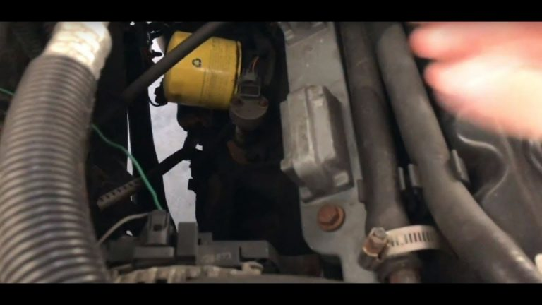 Jeep Grand Cherokee WJ 1999-2004 4.0L V6 Engine  – How to Change Spark Plugs & Intake Air Filter